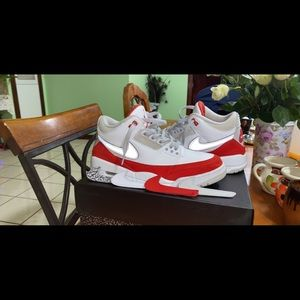 Jordan retro 3 tinker Hatfield 'varsity red'